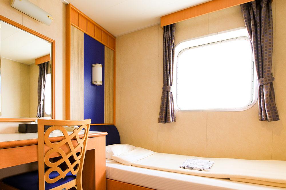 クイーンコーラルプラス船内1等洋室 1名x2室