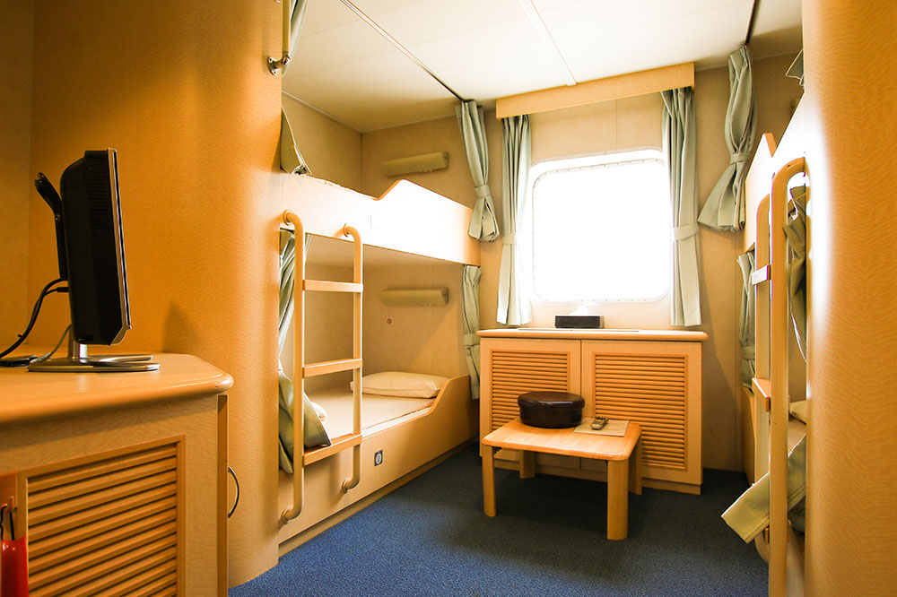 クイーンコーラルプラス船内 1等洋室 4名x2室