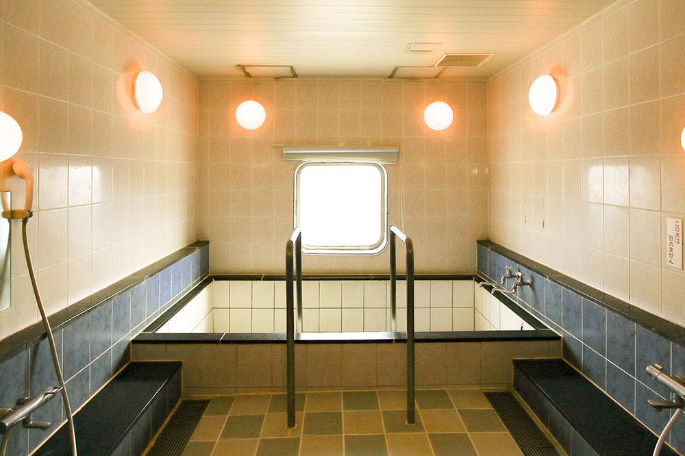 クイーンコーラルプラス船内 展望浴室