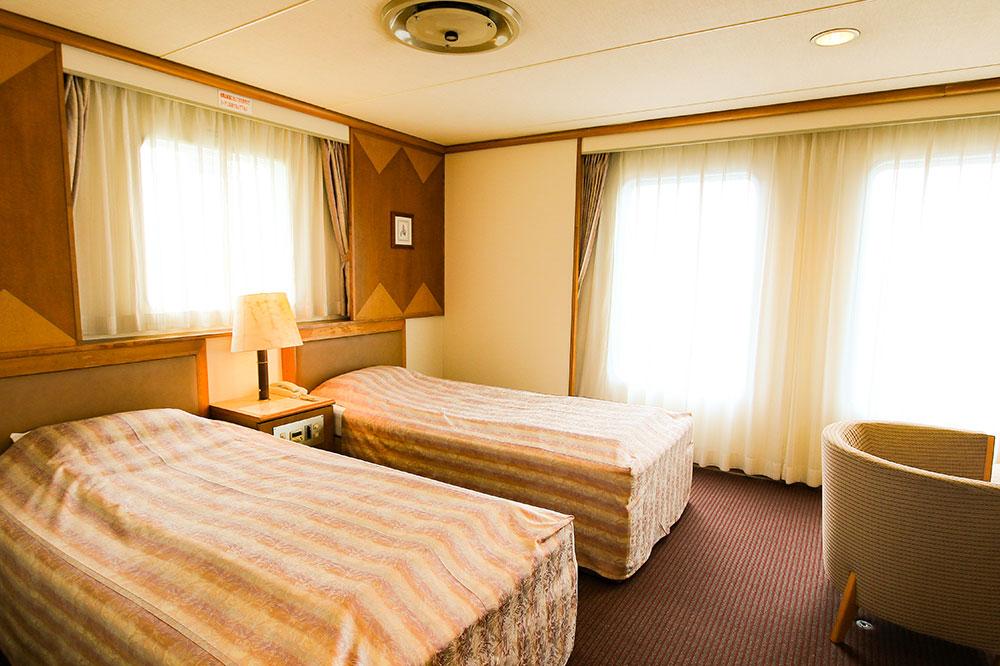 クイーンコーラル8船内 特別室(バストイレ付) ツイン1室2名