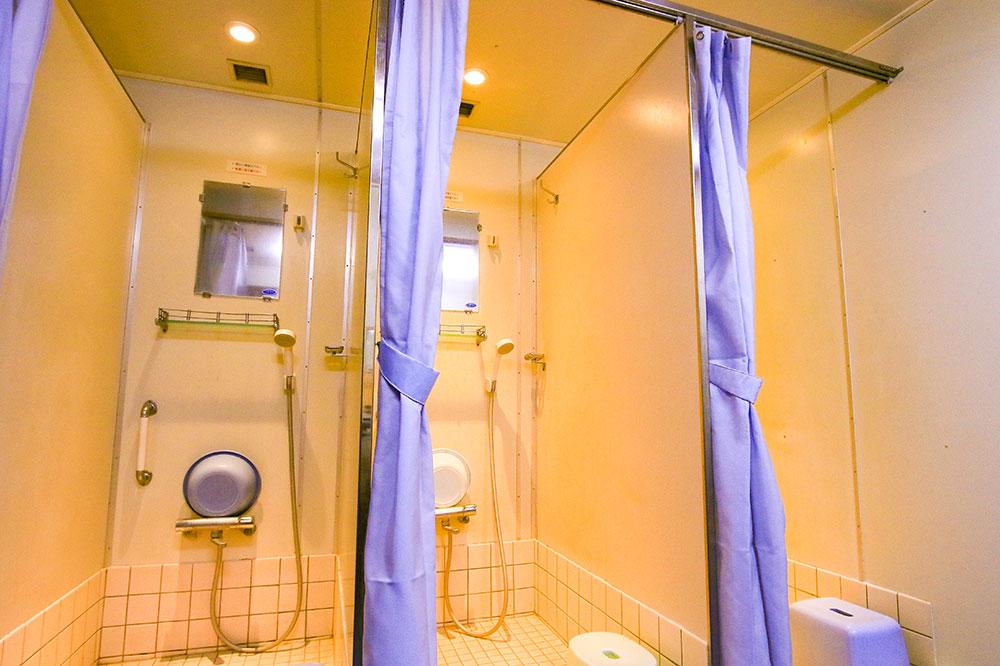 クイーンコーラル8船内 シャワー室